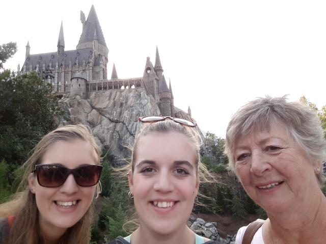 Hogwarts, Hogwarts, Hoggy, Hoggy, Hogwarts!